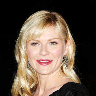 Kirsten Dunst in The 3rd Annual Art of Elysium Gala in Beverly Hills - Arrivals