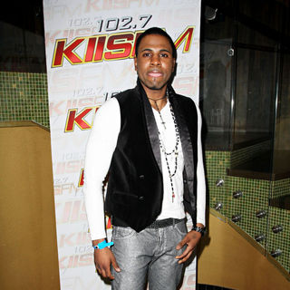 Jason Derulo in 102.7 KIIS FM & 98.7 FM 2nd Annual Grammy Gift Lounge