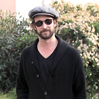Noah Wyle in Noah Wyle wearing a flat cap and sunglasses, leaves Toast in West Hollywood after having lunch