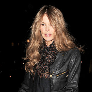 Elle MacPherson in Elle MacPherson leaving a party held at Harry's Bar in Mayfair