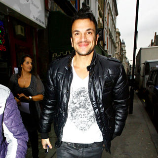 Peter Andre in Peter Andre  goes for a coffee after leaving the BBC Radio One studios