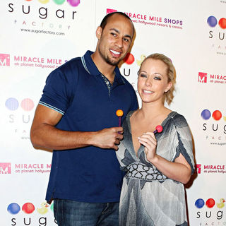 Hank Baskett, Kendra Wilkinson in Grand Opening of Sugar Factory