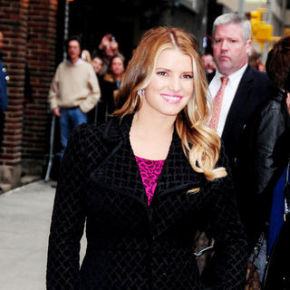 Jessica Simpson - Jessica Simpson outside the Ed Sullivan Theatre for the 'Late Show With David Letterman'