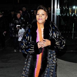Dionne Warwick in Variety Club Annual Dinner and Ball - Outside Arrivals