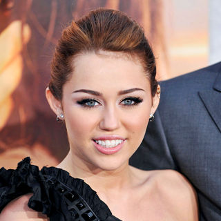 Miley Cyrus - Los Angeles Premiere of 'The Last Song'
