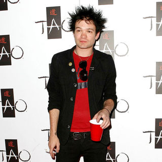 Deryck Whibley, Sum 41 in Deryck Whibley Celebrates His Birthday at TAO Worship Thursday