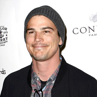 Josh Hartnett in 'Breaking Upwards' Premiere - Arrivals