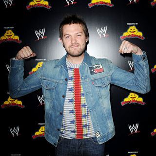 Tom Meighan, Kasabian in The Wrestlemania Revenge Tour Party
