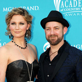 Sugarland in The 45th Annual Academy of Country Music Awards