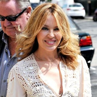 Kylie Minogue - Kylie Minogue arriving at a West London office on a glorious sunny day