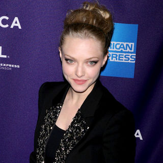 Amanda Seyfried in 9th Annual Tribeca Film Festival - Premiere of 'Letters to Juliet' - Arrivals