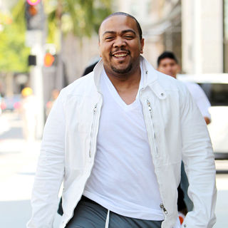 Timbaland in Timbaland shopping at Louis Vuitton on Rodeo Drive