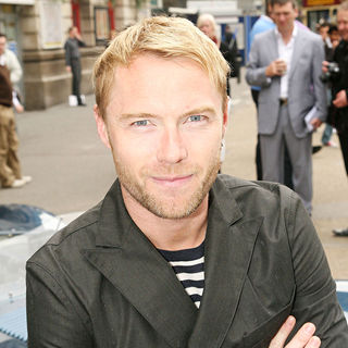 Ronan Keating, Boyzone in Prior to departing for Venice