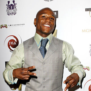 Floyd Mayweather, Jr. in Floyd Mayweather, Jr. Hosts His Official 'After Fight Party'