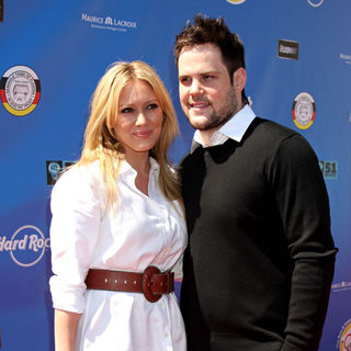 Hilary Duff, Mike Comrie in Launch of The Ann and George Lopez Foundation at The 3rd Annual George Lopez Celebrity Golf Classic