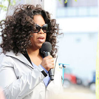 Oprah Winfrey - Oprah Magazine Celebrates It's 10 Year Anniversary with The Live Your Best Life Walk