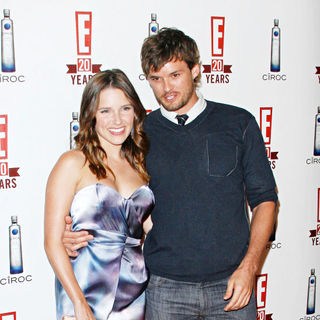 Sophia Bush, Austin Nichols in E!'s 20th Birthday Party