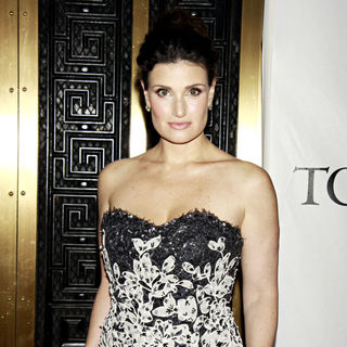 Idina Menzel in The 64th Tony Awards - Arrivals
