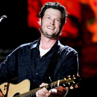 Blake Shelton in 2010 CMA Music Festival Nightly Concerts - wenn2887695