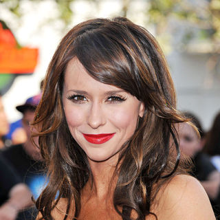 Jennifer Love Hewitt in 2010 Los Angeles Film Festival - Premiere of 'The Twilight Saga's Eclipse' - Arrivals