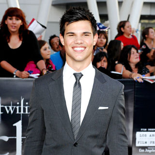 Taylor Lautner in 2010 Los Angeles Film Festival - Premiere of 'The Twilight Saga's Eclipse' - Arrivals