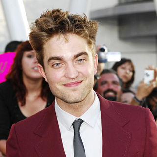 Robert Pattinson in 2010 Los Angeles Film Festival - Premiere of 'The Twilight Saga's Eclipse' - Arrivals