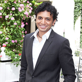 M. Night Shyamalan in 'The Last Airbender' (Le Dernier Maitre de l'air) Photocall