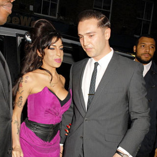 Amy Winehouse, Reg Traviss in The Psychosis Premiere Shown - Arrivals