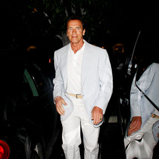 Arnold Schwarzenegger in Arnold Schwarzenegger Arriving at Tra Di Noi Restaurant in Cross Creek Malibu