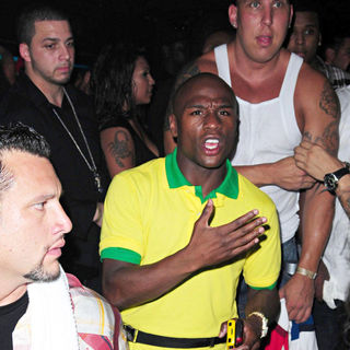 Floyd Mayweather, Jr. in The Fat Joe Album Release Party (The Darkside)