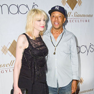Courtney Love, Russell Simmons in Russell Simmons's ARGYLECULTURE Fall 2010 Menswear Presentation - Arrivals