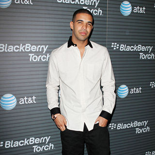 Drake in Blackberry Torch From AT&T U.S. Launch Party - Arrivals
