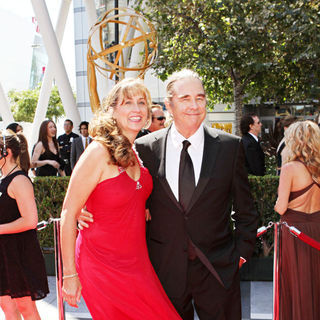 Wendy Treece, Beau Bridges in 2010 Creative Arts Emmy Awards - Arrivals