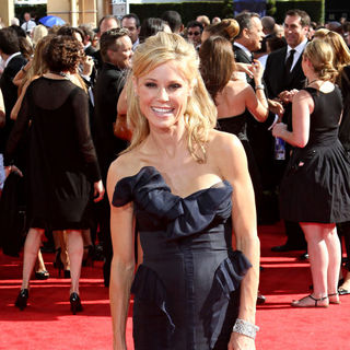 Julie Bowen in The 62nd Annual Primetime Emmy Awards