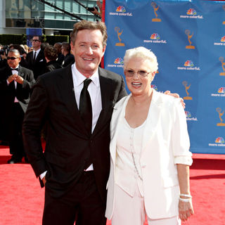 Piers Morgan, Sharon Gless in The 62nd Annual Primetime Emmy Awards