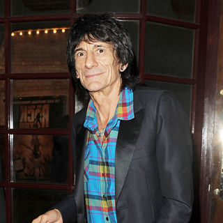 Ronnie Wood in Ronnie Wood Dining at J.Sheekey Restaurant Alone