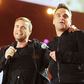 Gary Barlow, Robbie Williams in Heroes Concert