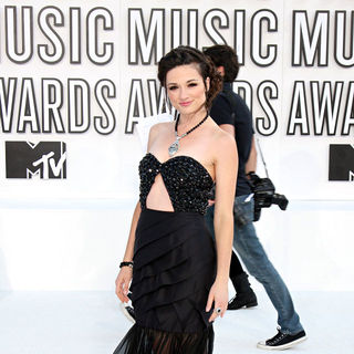 Crystal Reed in The 2010 MTV Video Music Awards (MTV VMAs) - Arrivals