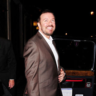 Ricky Gervais in Ricky Gervais Leaves The Ivy Restaurant
