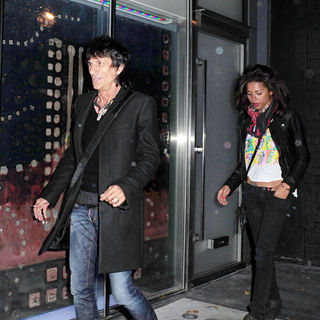 Ronnie Wood, Ana Araujo in Ronnie Wood and girlfriend Ana Araujo arrive at The Ivy club