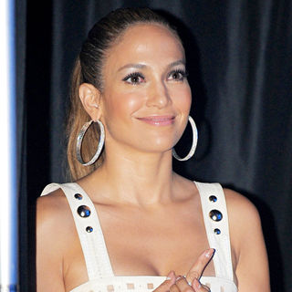 Jennifer Lopez in Jennifer Lopez Watches Marc Anthony Perform Live at The American Airlines Arena