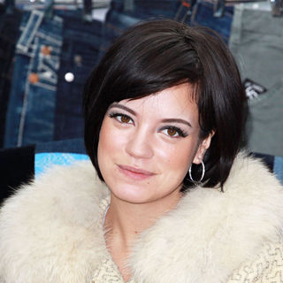 Lily Allen - London Fashion Week Spring/Summer 2011- Lily Allen Launches The Car Boot Fair