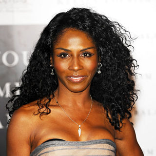Sinitta in Party of 'Your Moment Is Waiting'