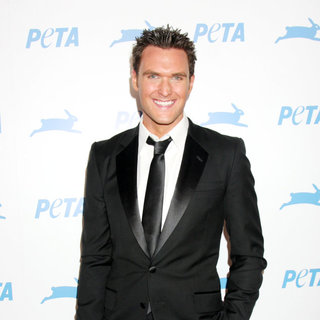 Owain Yeoman in The PETA's 30th Anniversary Gala And Humanitarian Awards - wenn3021172