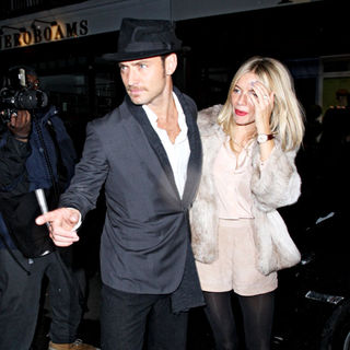 Jude Law, Sienna Miller in Jude Law and Sienna Miller Leaving C London Restaurant