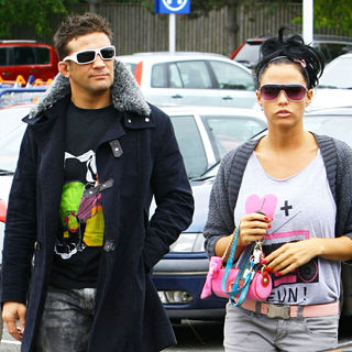 Katie Price and Alex Reid Shopping at Sainsbury's - wenn3026066