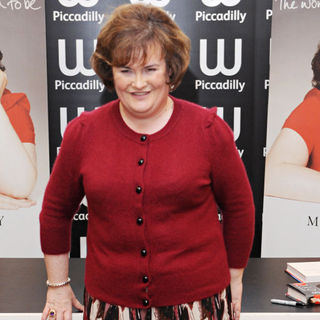Susan Boyle in Susan Boyle Signs Copies of Her Autobiography 'The Woman I Was Born to Be'