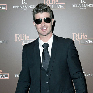 Robin Thicke in Launch of Renaissance Hotel's RLife Live - Arrivals - wenn3070845