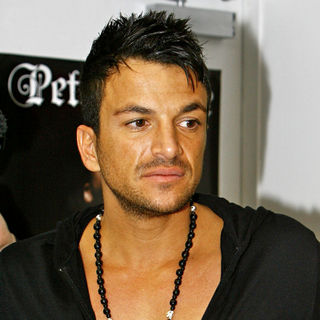 Peter Andre in Peter Andre Signs Copies of His New Single 'Defender'