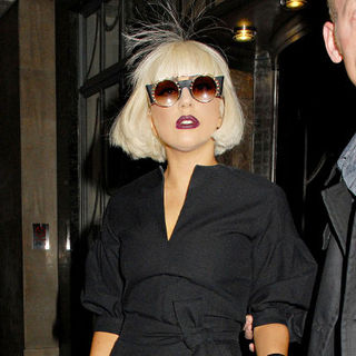 Lady GaGa - Lady GaGa Leaving Her Hotel